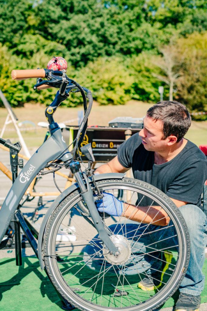 Réparation d'un vélo à assistance électrique chez Arkéa